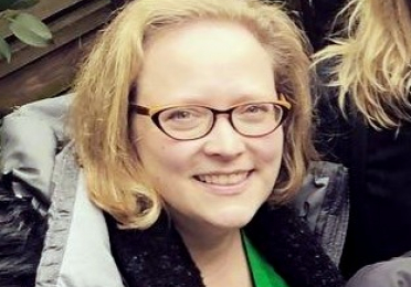 Emily Warren headshot